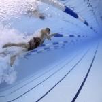 スイミングスクールに行かずに親が自力で水泳を教えるメリットとコツ